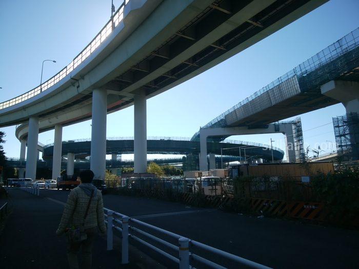 横浜青葉インター高架下
